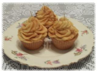 Cinnamon Apple Cupcake